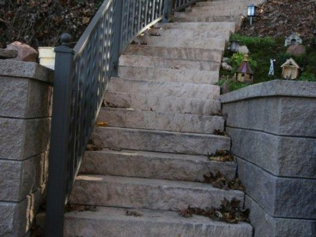 Alternating Twisted Aluminum Railing