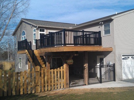 Bold Contrast Deck and Rail