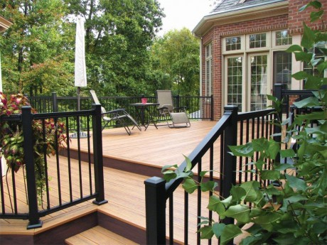 Transitional Deck With Aluminum Rail