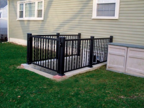 Aluminum Railing With A Gate