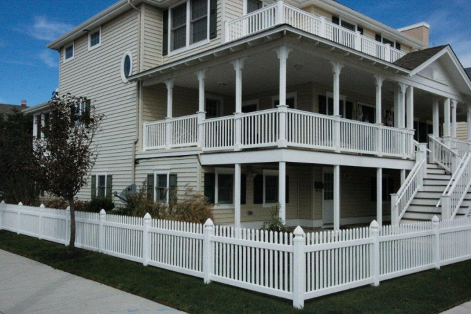 Concord Picket Fence With Aspen Railing