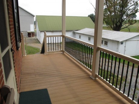 Vinyl Posts With Aluminum Balusters