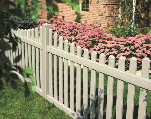 Elliston Fence With 3″ Picket